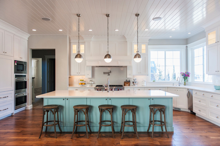 Cuisine moderne de style campagnard Gracious Luxury Interiors Cuisine de style campagnard Bleu