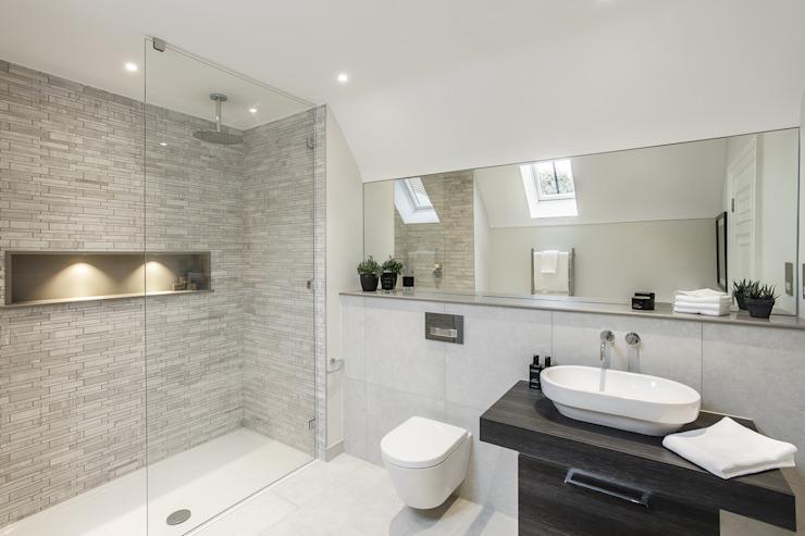Salle de bain Winchester Modern de Studio Hooton Modern