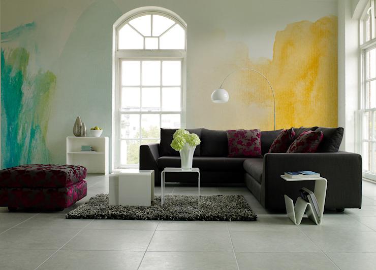 Flou coloré Salon minimaliste par Pixers Minimalist