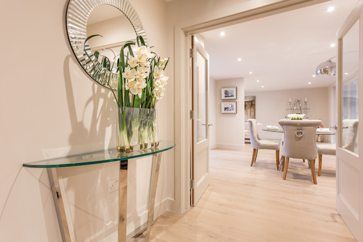 Sandbanks Show apartment SMB Interior Design Ltd Couloir, couloir et escaliers modernes Beige