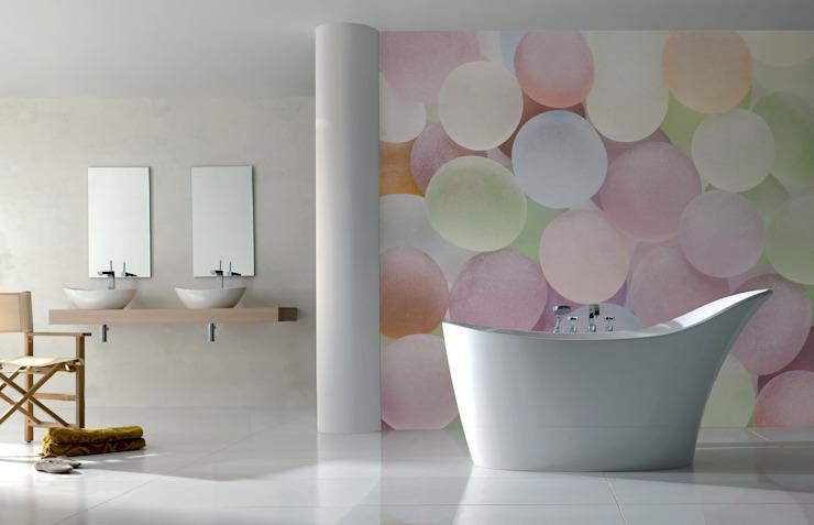 Salle de bain moderne en pierres colorées de Pixers Modern