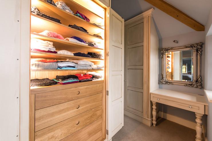 Cabine d'essayage peinte à la main Buscott Woodworking Ltd Cabine d'essayage de style classique Wood Beige