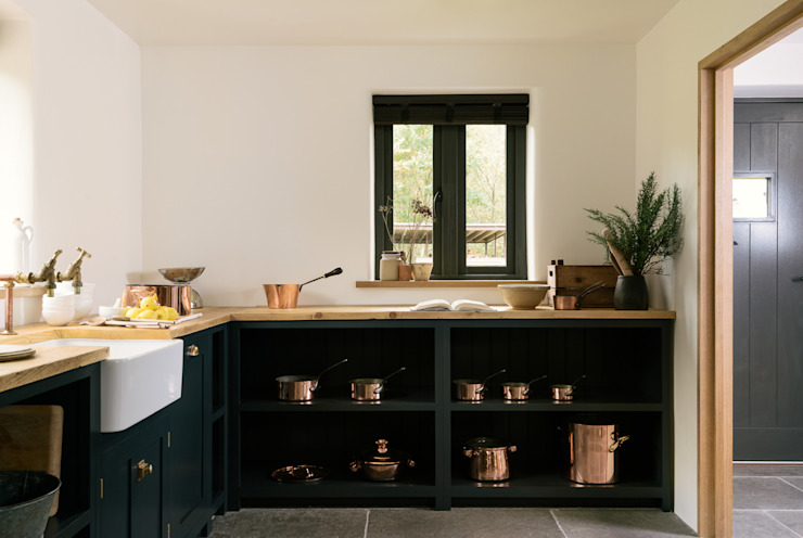The Leicestershire Kitchen in the Woods by deVOL deVOL Kitchens Cuisine de style campagnard Bleu