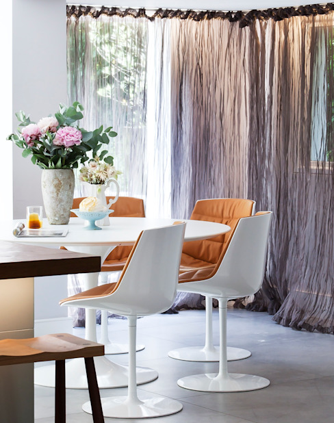 Furlong Road Salle à manger moderne par Matteo Bianchi Studio Modern