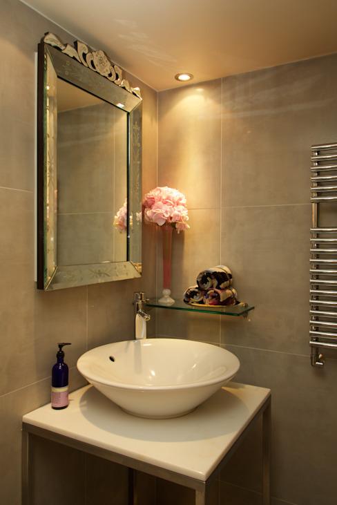 Loft de Londres Salle de bains moderne par JKG Interiors Modern Tiles