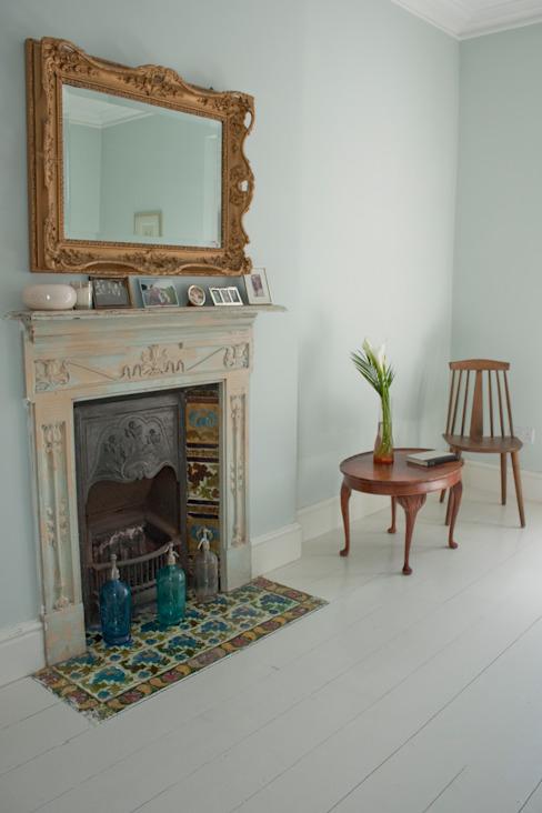 Cheminée Chambre de style éclectique par Dittrich Hudson Vasetti Architects Eclectic