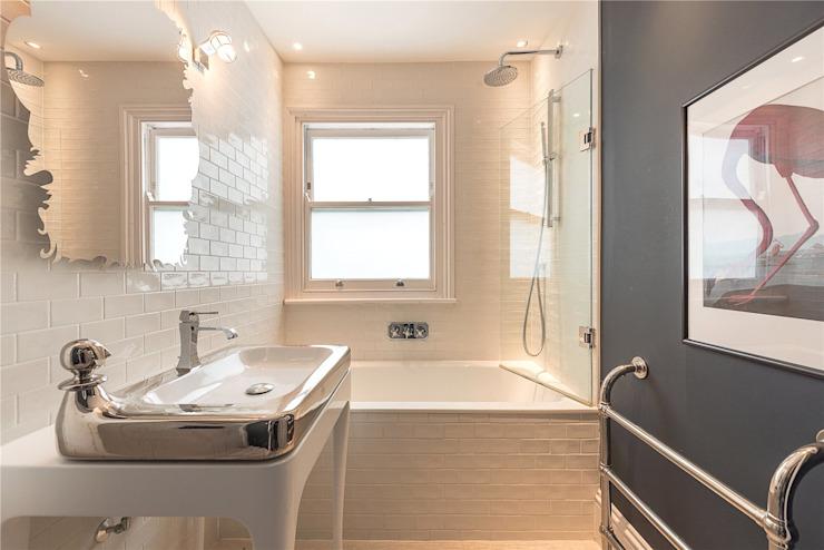 Projet de rénovation et d'extension d'une maison Cornwall Grove W4 House Renovation London Ltd Salle de bains moderne