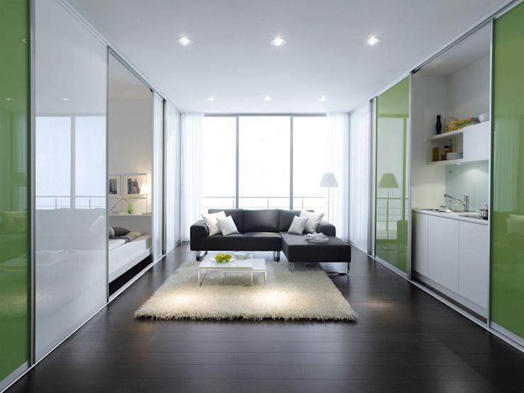 Studio Flat Room Divider Sliding Doors par Bravo London. Bravo London Ltd Murs et sols modernes Verre Vert