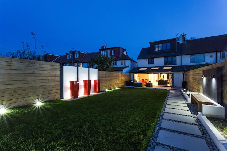 La nuit dans le jardin GK Architects Ltd Garden Lighting