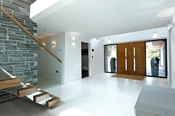 Redwoods, Wimborne, Dorset Architecture d'intérieur Puzzle Couloir, couloir et escaliers modernes