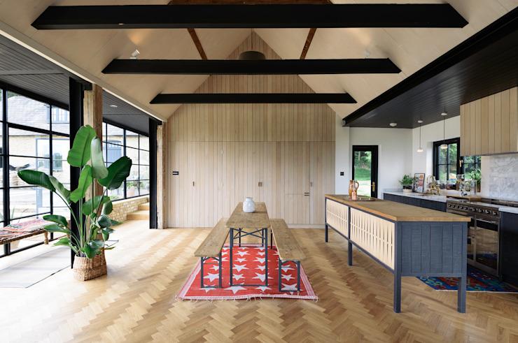 The Kent Kitchen deVOL deVOL Kitchens Cuisine de style rustique Effet bois
