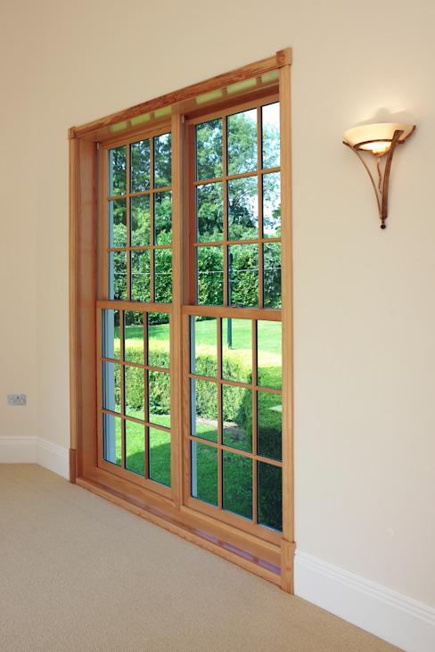Fenêtres à guillotine surdimensionnées Marvin Windows and Doors UK Portes et fenêtres de style classique