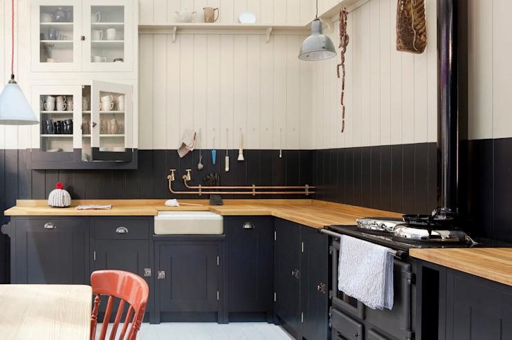The Original British Standard Kitchen British Standard par Plain English Country style kitchen Wood Black