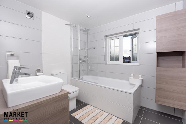 Isleworth House Loft et extension arrière Le marché Concevoir et construire une salle de bains moderne