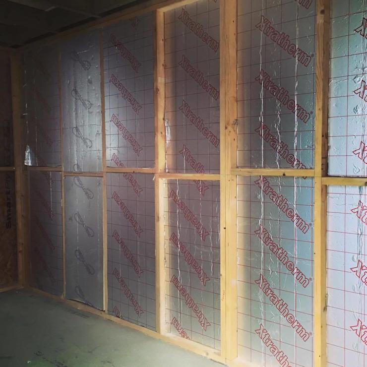 Vues intérieures d'un bâtiment avec des cadres écoles modernes