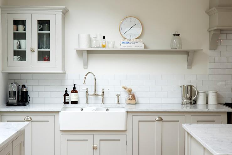 The Clapham Classic English Kitchen by deVOL deVOL Kitchens Cuisine de style rustique