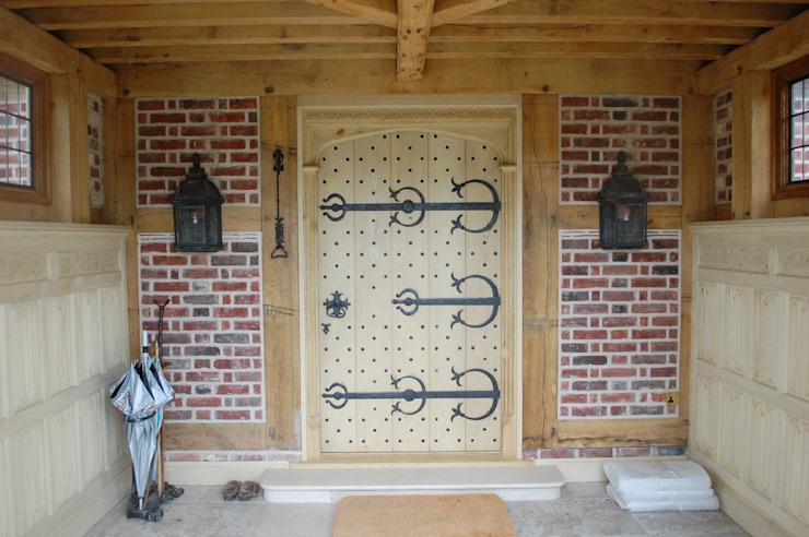 Grande porte d'entrée décorative Arttus Maisons de style classique