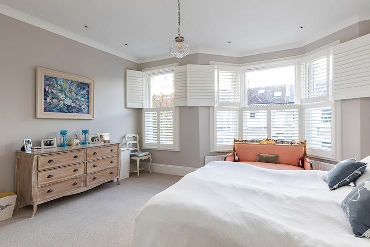 Rénovation de Jess & Hugo à Shepherd's Bush Model Projects Ltd Chambre à coucher de style classique
