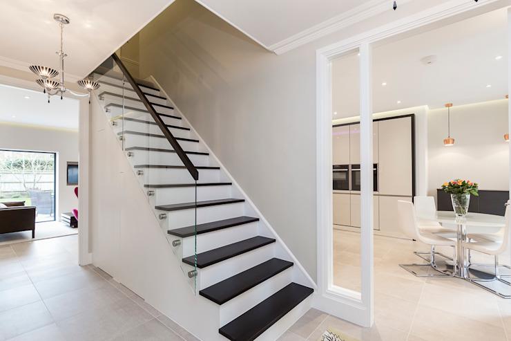 Thames Ditton House Rénovation Model Projects Ltd Escaliers Verre