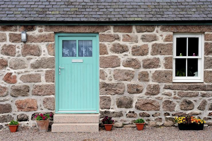 Old School House, Glen Dye, Banchory, Aberdeenshire Roundhouse Architecture Ltd Portes et fenêtres de style rustique