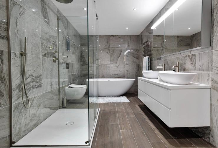 Salle d'exposition de Brentford, TW8 BathroomsByDesign Retail Ltd Salle de bains moderne