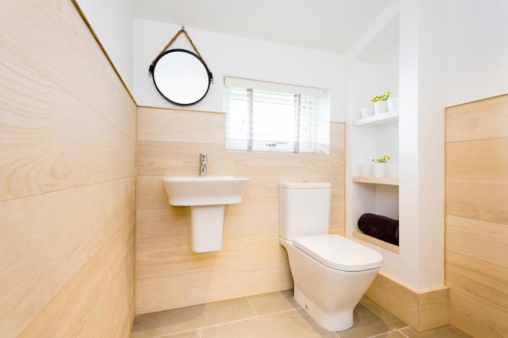 Sundown, Widemouth Bay, Cornwall The Bazeley Partnership Salle de bain moderne