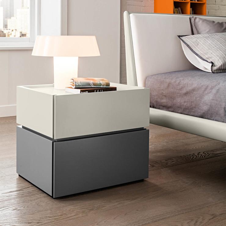 Maverik' Table de chevet moderne et luxueuse avec tiroirs de Morassutti homify Chambre à coucherTables de chevet MDF Multicolore