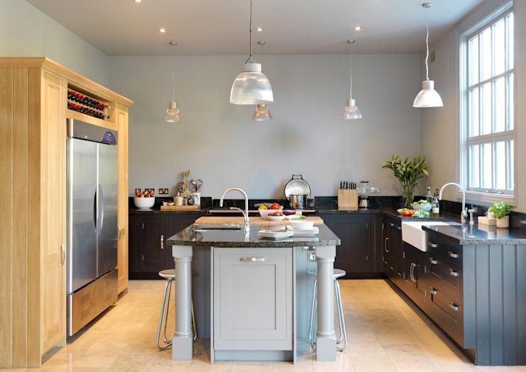 Cuisine Shaker peinte par Harvey Jones Harvey Jones Kitchens Cuisine de style classique